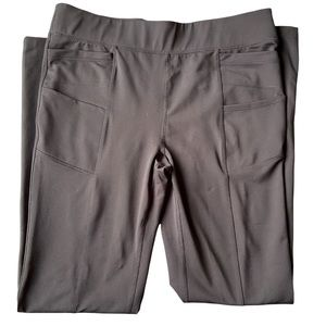NWOT Large Athletic Works Straight Leg Pants with Lots of Pockets